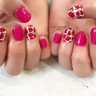 可愛いウニッコ♥︎ ピンクは赤色ちょこっとMIXです。  今日は鼻声ズビズビな営業でした😷明日は息子の運動会です🇯🇵気合です💪🏻💪🏻. . . . #ウニッコ#ウニッコネイル#ウニッコ柄#北欧#北欧ネイル#北欧デザイン#ファブリックネイル#カジュアル#ショートネイル#カジュアルネイル#ピンクネイル#ピンク#パラジェル#リーフジェルプレミアム#フィルインネイル#ネイルアート#ネイルデザイン#青森市#青森市ネイルサロン#nail#naildesigns#nailarts #nailstagram #fika#casualstyle#art#pink#beauty#cute#flowers #春 #オールシーズン #ライブ #女子会 #ハンド #シンプル #ワンカラー #フラワー #エスニック #ショート #ホワイト #レッド #ビビッド #ジェル #お客様 #fika_nailart #ネイルブック