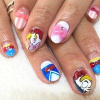 ドナルド&デイジーネイル♪ #夏 #オールシーズン #パーティー #ハンド #キャラクター #ジェル #Ikumi Makino #ネイルブック