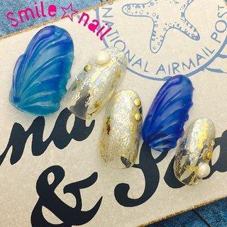 大田原定額ネイルサロン Smile☆nailです(*^^*) さて、やっとこ新作を作りました♪ 大人気#人魚の鱗 をクールな雰囲気に仕上げました✨ カッコカワイイネイルがお好きな方、いかがですか⁇ ブルーは2色使って、深みを出しました☆ ☆,。・:*:・゚'☆,。・:*:・゚'☆,。・:*:・゚' #smilenail #スマイルネイル #大田原市ネイルサロン #大田原ネイルサロン #大田原定額ネイル #定額ネイル #お家サロン #ネイルサロン #ジェルネイル #セルフネイル #ネイルアート #ネイリスト #個性派ネイル #派手カワネイル #美爪 #ネイルチップ #オーダーチップ #ミンネ #minne #人魚の鱗ネイル #貝殻ネイル #ホイルネイル #夏ネイル #サマーネイル #カッコ可愛い #涼しげネイル ☆,。・:*:・゚'☆,。・:*:・゚'☆,。・:*:・゚' HPはプロフィールのURLから☆ ☆,。・:*:・゚'☆,。・:*:・゚'☆,。・:*:・゚' フリルでピアス ミンネでネイルチップを販売してます ٩( ᐛ )و  ネイルチップ→ミンネ https://minne.com/5116ykr (スマイルネイルで検索‼︎) ピアス→フリル  https://fril.jp/shop/Smile_bijou (スマイルビジュー ネイリストで検索‼︎) #夏 #海 #リゾート #デート #ハンド #シェル #人魚の鱗 #ホイル #ミディアム #ブルー #ゴールド #シルバー #ジェル #ネイルチップ #Smile☆nail #ネイルブック