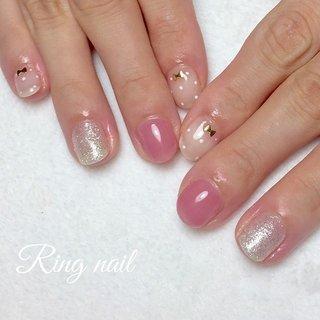 * 【ドットリボンネイル】 * 可愛いを詰め込んだ、 女子力満載のデザイン♡ * 薬指のラメは @pregelofficial の#白銀姫  粒子がとっても細かくて、 ギラギラせずに上品にキラキラ光る。 おススメです(^^) * * #大人ネイル #おしゃれ #シンプルネイル #フラワーネイル #ピンクネイル #リボンネイル #ドットネイル #nails #nailstagram #秋ネイル #名古屋市名東区 #名古屋市千種区 #名古屋市天白区 #名古屋市星ヶ丘 #星ヶ丘 #長久手 #愛知県日進市 #名古屋市ネイルサロン #星ヶ丘ネイルサロン #名東区ネイルサロン #自宅ネイルサロン #フィルイン #ringnail #手描きアート #秋 #オールシーズン #オフィス #デート #ハンド #シンプル #ラメ #ワンカラー #ドット #リボン #ショート #ベージュ #ピンク #シルバー #ジェル #お客様 #Ringnail #ネイルブック
