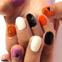 #秋 #ハロウィン #ハンド #シンプル #ワンカラー #オレンジ #パープル #ブラック #ジェル #Ris𓇼Nail #ネイルブック