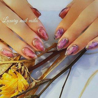". . fashion nail coordinate style 5 . . ""Luxury nuance art"" . . reserve ↓↓↓ プロフィールのリンクからどうぞ♡ (ご新規様数名のご案内可能です🙆🏼♀️) . ご予約お待ちしております💁🏼♀️💕💕 . . #일본 #네일스타그램 #ネイル  #genic_mag  #ネイルデザイン  #ジェルネイル  #小岩ネイルサロン  #nail #nails  #nailart #mery  #autumnnails  #nailbook  #jelnails  #naildesigns  #zara  #ファッションネイル #luxury  #美甲 #美甲光療  #大人ネイル  #秋ネイル  #オシャレネイル  #itnail  #nailie  #instanails  #nailist  #trend  #luxurynails  #アシンメトリーネイル #秋 #冬 #オールシーズン #ハンド #ステンドグラス #タイダイ #大理石 #ミディアム #パープル #ボルドー #ジェル #お客様 #Nailist maki #ネイルブック"