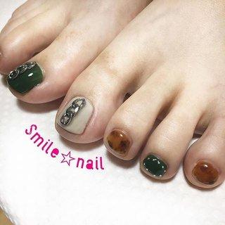 大田原定額ネイルサロン Smile☆nailのyukariです(*^^*) こちらはお持ちデザイン&お持込みパーツです♪ 秋らしいカーキとべっ甲の組み合わせ((* ´艸`)) お爪が少し傷んでいたので、ビタミン配合のノンサンディングジェルで施術しました😘 お客様お一人お一人に合わせたベース作りを心がけてます☆ ご来店ありがとうございました😊 ☆,。・:*:・゚'☆,。・:*:・゚'☆,。・:*:・゚' #smilenail #スマイルネイル #大田原市ネイルサロン #大田原ネイルサロン #大田原定額ネイル #定額ネイル #お家サロン #ネイルサロン #ジェルネイル #セルフネイル #ネイルアート #ネイリスト #個性派ネイル #派手カワネイル #美爪 #ネイルチップ #オーダーチップ #ミンネ #minne #nailbook #秋色ネイル #秋ネイル #べっ甲ネイル #initygel #アイニティジェル ☆,。・:*:・゚'☆,。・:*:・゚'☆,。・:*:・゚' HPはプロフィールのURLから☆ #ネイルブック からご予約出来るようになりました❤️ ☆,。・:*:・゚'☆,。・:*:・゚'☆,。・:*:・゚' フリルでピアス ミンネでネイルチップを販売してます ٩( ᐛ )و  ネイルチップ→ミンネ https://minne.com/5116ykr (スマイルネイルで検索‼︎) ピアス→フリル  https://fril.jp/shop/Smile_bijou (スマイルビジュー ネイリストで検索‼︎) #秋 #デート #女子会 #フット #ワンカラー #チェーン #べっ甲 #ショート #ベージュ #グリーン #ブラウン #ジェル #お客様 #Smile☆nail #ネイルブック