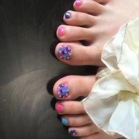 大人可愛くしました! #夏 #梅雨 #フット #ワンカラー #タイダイ #ミディアム #ピンク #ブルー #カラフル #ジェル #お客様 #お家サロンSER!NA♡ #ネイルブック
