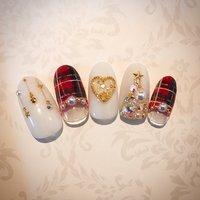 #ハンド #ジェル #ネイルデザイン #クリスマス#クリスマスネイル #クリスマスツリー #チェック #チェックネイル #ハート #キラキラネイル #冬 #クリスマス #ハンド #フレンチ #ビジュー #チェック #ミディアム #ホワイト #レッド #ゴールド #ジェル #ネイルチップ #Private nail Salon #ネイルブック