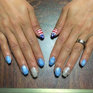 デニムに星条旗‼ ポップにおしゃれに‼ 派手すぎないネイル♡ #オールシーズン #ハンド #デニム #国旗 #ロング #ブルー #シルバー #ジェル #お客様 #aya0523 #ネイルブック