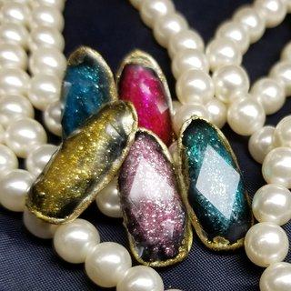 話題の #宝石カットネイル 試作品です♥ 最後の動画を見ていただければ、不思議なカットに魅了されますよぉ✨ サンプル作りながらマスターします!!! #宝石ネイル #田辺さおり 先生 #ジュエルネイル #宝石ネイルができるサロン #宝石ネイルができるサロン千葉 #宝石カットネイルができるサロン #宝石カットネイルができるサロン千葉  #コットンローズ #cottonrose #子連れサロン #子連れネイル #キッズスペース #駐車場付ネイルサロン #主婦ネイル #ジェルネイル #ネイル #ネイルサロン千葉 #ネイルデザイン #大人ネイル #スワロフスキー #maogel #maogel導入サロン千葉 #パラジェル #マツエク #マツエク千葉 #まつ毛エクステ千葉 #ネイリスト求人千葉 #アイリスト募集千葉 #ネイリスト募集千葉 #オールシーズン #お正月 #成人式 #パーティー #ハンド #ワンカラー #ビジュー #アンティーク #大理石 #ブローチ #ミディアム #レッド #カラフル #ビビッド #ジェル #ネイルチップ #cottnorose_0901 #ネイルブック