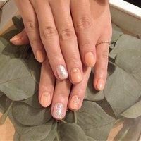オーナメントNail💕 . . . #nail #japan #tokyo #ebisu #恵比寿ネイルサロン #ネイルデザイン #シンプルネイル #オフィスネイル#シンプルデザイン #autumn #大人女子 #大人可愛い#newnails #recommended #nails #nailstagram #nailart #nailswag #nailstyle #nailartists #naildesigns #nailcolection #handnail #nailtech #smile #お洒落は指先から . . . .🌿WREATH🌿 ☎️0363221020  お得なクーポンも掲載中❣ https://beauty.hotpepper.jp/kr/slnH000225201/ #冬 #オフィス #デート #女子会 #ハンド #シンプル #雪の結晶 #ショート #ベージュ #ゴールド #ジェル #お客様 #リース #ネイルブック
