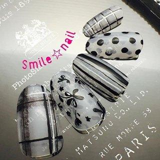大田原定額ネイルサロン Smile☆nailのyukariです(*^^*) モノトーンデザインのご紹介💅 トレンド柄でモノトーンアート🖤 冬はお洋服がダークカラーになるので、あえての透け感ネイル👌 メタリックジェルでキラキラをプラス🤩 ☆,。・:*:・゚'☆,。・:*:・゚'☆,。・:*:・゚' #smilenail #スマイルネイル #大田原市ネイルサロン #大田原ネイルサロン #大田原定額ネイル #定額ネイル #お家サロン #ネイルサロン #ジェルネイル #セルフネイル #ネイルアート #ネイリスト #個性派ネイル #派手カワネイル #美爪 #ネイルチップ #オーダーチップ #ミンネ #minne #nailbook #冬ネイル #トレンド柄 #モノトーンネイル #チェック柄ネイル #ストライプネイル #ドットネイル #フラワーネイル ☆,。・:*:・゚'☆,。・:*:・゚'☆,。・:*:・゚' HPはプロフィールのURLから☆ #ネイルブック からご予約出来るようになりました❤️ ☆,。・:*:・゚'☆,。・:*:・゚'☆,。・:*:・゚' フリルでピアス ミンネでネイルチップを販売してます ٩( ᐛ )و  ネイルチップ→ミンネ https://minne.com/5116ykr (スマイルネイルで検索‼︎) ピアス→フリル  https://fril.jp/shop/Smile_bijou (スマイルビジュー ネイリストで検索‼︎) #冬 #オールシーズン #デート #女子会 #ハンド #チェック #シースルー #ストライプ #ドット #バイカラー #ミディアム #ホワイト #ブラック #モノトーン #ジェル #ネイルチップ #Smile☆nail #ネイルブック