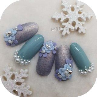 winter blue..... 冬のブルーやグリーンが個人的にも大好き💖 サムシングブルーでブライダルネイルにもオススメです😊  #ブライダル#ブライダルネイル#ウエディング#ウエディングネイル#ウェディング#ウェディングネイル#花柄#花柄ネイル#フラワー#フラワーネイル#3d#3dアート#3dフラワー#個性派ネイル#個性的ネイル#冬のブルー#クリスマス#クリスマスネイル#シンプルに派手#マット#マット仕上げ #冬 #オールシーズン #クリスマス #ブライダル #ハンド #フラワー #パール #3D #ミディアム #グリーン #ブルー #グレー #ジェル #ネイルチップ #NEKO #ネイルブック