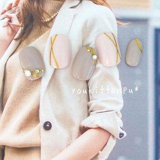 ジェルネイルチップ    流線lady ⇓ミンネの販売ページ⇓ https://minne.com/items/8275995   カジュアルにもフォーマルにも合わせやすい 大人の女性にぴったりのデザインです。      --------------------  オリジナルデザインのジェルネイルチップ(つけ爪)を ミンネ、クリーマ、ラクマで好評販売中です❤️ (すべて youkittanpu* で検索できます😊💖)   インスタグラムにはおすすめのネイルデザインを ピックアップして載せています。  Instagram・・・youkittanpu  気に入った画像をタップしていただくと ミンネの作品画面に飛びますので ご質問や購入がスムースです。  採寸方法についても各アプリ内の作品ページでご説明しています。   --------------------  #ジェルネイル #ジェルネイルチップ #ネイルチップ #つけ爪 #ブライダル #ウェディング #結婚式 #お呼ばれ #お出かけ #フォーマル #成人式 #振袖 #晴れ着 #和服 #和装 #和柄 #卒業式 #袴 #オーダーメイド #サイズオーダー #gelnails #nailart #ネイルデザイン #ネイル #nails #nailstagram #naildesign #instanails #フラワー #ビジュー #アンティーク #オールシーズン #デート #女子会 #パーティー #ブライダル #ウェディングネイル #プリンセスネイル #おしゃれ #ファッション #fashion #上品ネイル #綺麗 #可愛い #派手ネイル #個性派ネイル #大人ネイル #大人可愛い #gelnails #nailart #ネイルデザイン #ネイル #nails #nailstagram #naildesign #instanails #お呼ばれ #お出かけ #春 #夏 #秋 #冬 #インスタ映え #グレー #ピンク #ライン #ラインアート #シンプル #youkittanpu*オトナ #卒業式 #入学式 #オフィス #ブライダル #ハンド #シンプル #ワンカラー #ビジュー #バイカラー #ピンク #グレー #ゴールド #ジェル #ネイルチップ #ジェルネイルチップのお店 youkittanpu*(ゆうきったんぷう) #ネイルブック