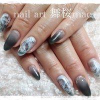 #雪の結晶 #冬 #クリスマス #ハンド #グラデーション #雪の結晶 #ホワイト #グレー #ジェル #お客様 #nail_art_maomao #ネイルブック