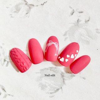 バレンタインネイルにおすすめ♡ マットな赤なら派手過ぎず、可愛く仕上がります♡ . Nail edit〜ネイルエディット 埼玉県 本庄市 ネイルサロン ネイルブックよりネット予約可能です。 .  . #バレンタインネイル  #定額デザインne #バレンタイン #シンプル #ハート #ニット #リボン #レッド #ジェル #ネイルチップ #nailedit0919 #ネイルブック