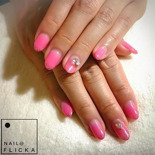 #ネイル #ジェルネイル #パラジェル #プティール #フィルイン #一層残し #ピンクネイル #グラデーションネイル #ブローチネイル #ビジューネイル #バレンタインネイル #大人ネイル #nail #nails #gelnails #naildesigns #pinknails #gradationnail #nailstagram #instanails #nailbook #hpb_nail #札幌ネイルサロン #円山ネイルサロン #西28丁目ネイルサロン #ヘアネイル同時施術 #オールシーズン #バレンタイン #デート #女子会 #シンプル #グラデーション #ラメ #ビジュー #ブローチ #ピンク #ビビッド #ジェル #お客様 #nail FLICKA sapporo #ネイルブック