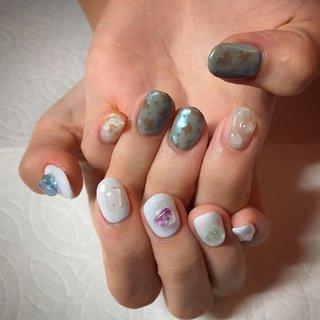 こちらのデザインは10本デザインコース🌹¥12000です。 . . とっても可愛いnailをさせて頂きありがとうございました💕 またお待ちしておりますね🥰 . . . ご予約や詳細など、お気軽にお問い合わせ下さい♪ LINEID : m3.nails メール :m3.nails@icloud.com . #m3 #プライベートサロン #プライベートネイルサロン #ネイルサロン#privatenailsalon #東京 #tokyo #原宿 #harajuku #キャットストリート #nail #ネイル #ジェルネイル #gelnails #冬ネイル #ニュアンスネイル #バレンタインネイル #月替りデザイン #ネイルデザイン #sweet #可愛い #派手 #派手ネイル #手書き #手書きネイル #宝石 #クマさんネイル #春 #冬 #オフィス #デート #ハンド #シンプル #ワンカラー #アニマル柄 #タイダイ #ニュアンス #ショート #水色 #グレージュ #グレー #ジェル #お客様 #M3 mako #ネイルブック
