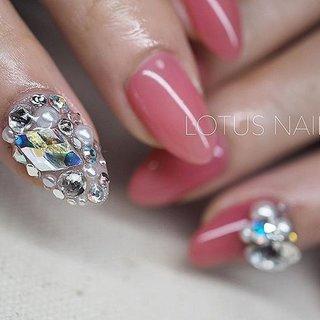 ・ #ストーン埋めつくし #maogel202 ・ 実物のきらきら感は、とてつもないです!🙄💕 ・ ・ 【ホットペッパー】 【ネイルブック】 【LINE@】ID@sdw6009i 【MAIL】lotusnail47@gmail.com ・ ・ #gelnails#nails#nail#art#artnails#nail#cute#cawaii#ショートネイル#シンプルネイル#ナチュラル#ネイルデザイン#3DNAILART#3DAttacker#3dattacker#3dストーン#lotusnail#LOTUSNAIL#ロータスネイル#ネイルサロン鶴川#町田ネイルサロン#maogel導入サロン町田#マオジェル導入サロン #オールシーズン #クリスマス #ブライダル #パーティー #ハンド #ワンカラー #ビジュー #クリスタルピクシー #ロング #ピンク #カラフル #chibimika #ネイルブック