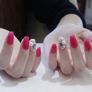 真っ赤な色を薄くワンカラー塗布しました❤️ 絶妙なピンクに仕上がります😊💕 #ピンクネイル  #ワンカラー #秋 #冬 #オールシーズン #バレンタイン #ハンド #シンプル #ワンカラー #パール #ロング #ピンク #ジェル #お客様 #島根県出雲市✴︎チョコネイル✴︎ #ネイルブック