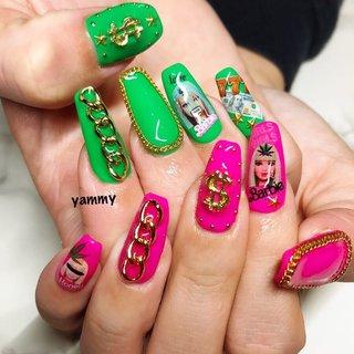 バービーネイル Barbie 派手ネイル #オールシーズン #ハロウィン #パーティー #女子会 #ハンド #ワンカラー #キャラクター #チェーン #ピンク #グリーン #ネオンカラー #スカルプチュア #お客様 #やみー* #ネイルブック