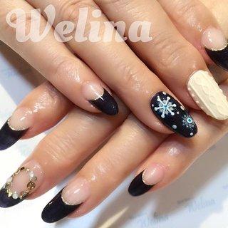 もう春ですが🌸 少し前のネイルのウィンターネイルになります❄️ 黒やネイビーなどのダークカラーも可愛く変身✨ #nails#winternails #ネイル #ニットネイル #白金高輪ネイル #jna常任本部認定講師 #冬 #フレンチ #ニット #ノルディック #Welina #ネイルブック