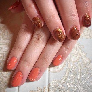 こちらは月替りデザイン¥8000になります🌹✨ 初回のお客様は-¥1000offです💅 . . お客様によって同じデザインでもだいぶ印象が変わって楽しい月替わりデザイン🥰✨✨ . . 可愛いnailをさせて頂きありがとうございました💕またお待ちしておりますね🌷 . . . . ご予約や詳細など、お気軽にお問い合わせ下さい♪ LINEID : m3.nails メール :m3.nails@icloud.com . #m3 #プライベートサロン #プライベートネイルサロン #ネイルサロン#privatenailsalon #東京 #tokyo #原宿 #harajuku #キャットストリート #nail #ネイル #ジェルネイル #gelnails #冬ネイル #ニュアンスネイル #月替りデザイン #ネイルデザイン #sweet #可愛い #派手 #派手ネイル #手書き #手書きネイル #宝石 #大理石ネイル #天然石ネイル #春ネイル #春 #卒業式 #入学式 #デート #ハンド #シンプル #ラメ #ワンカラー #ニュアンス #レトロ #ショート #オレンジ #ブラウン #アースカラー #ジェル #お客様 #M3 mako #ネイルブック