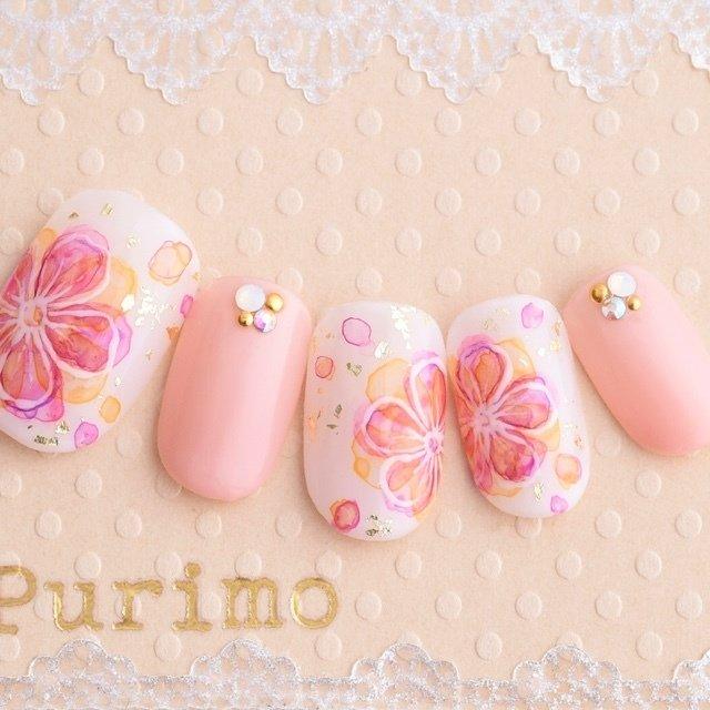 春にピッタリなお花ネイル!! #春 #夏 #パーティー #デート #フラワー #たらしこみ #ホワイト #ピンク #パステル #ネイルチップ #purimo #ネイルブック
