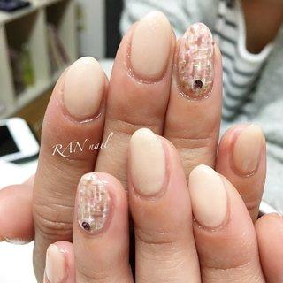 オフィスネイルにオススメ✨ナチュラルツイードネイル   お仕事の関係で派手なネイルのできないお客様のこだわりネイル(^ ^) ピンク、ベージュ、茶色で控えめなツイード柄に仕上げました✨    RAN nail ~ランネイル~ ご予約お問い合わせはこちら 電話番号 08094953019 メール rannail@i.softbank.jp ラインID rannail ブログ http://tamahirocchi.eshizuoka.jp  #ワンカラーネイル#菊川市#掛川市#御前崎市#牧之原市#菊川市ネイルサロン#相良ネイルサロン#ランネイル#RAN nail#出張ネイル#自宅ネイルサロン#美爪育成 #美爪#paragel#パラジェル#paragel登録サロン #ピンク#茶色#ベージュ#ツイード#ビジュー #春 #オールシーズン #オフィス #ハンド #シンプル #ツイード #ショート #ベージュ #ピンク #ブラウン #ジェル #お客様 #RAN☆ #ネイルブック