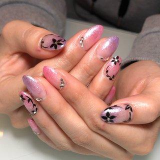 #パープル#ピンク#ブラック#フラワー#グラデーション #春 #オールシーズン #ハンド #グラデーション #ラメ #ロング #ピンク #パープル #ブラック #ジェル #お客様 #Kiren #ネイルブック