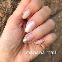 自分ネイルー☆ 最近お気に入りの#シェルストーン(*^ω^*) 何枚か爪に乗せるだけでキラっと存在感があるので大好きです☆ 今回はシェルストーンが主役で残りの爪はホワイトベースでシンプルに仕上げてみました(⌒▽⌒) #nail#ネイル#ネイリスト#ネイルデザイン #プリジェル #ママネイル#ママネイリスト#シンプルネイル#春ネイル#上石神井#上石神井ネイル#上石神井ネイルサロン#自宅サロン#ホームネイルサロン #春 #夏 #ハンド #シンプル #シェル #ミディアム #ホワイト #クリア #ジェル #セルフネイル #Yukie Ich #ネイルブック