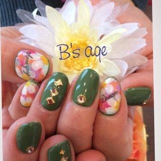 #Nailbook #ネイルブック #春 #パーティー #デート #フラワー #アンティーク #グリーン #カラフル #B'sネイル離宮(age) #ネイルブック