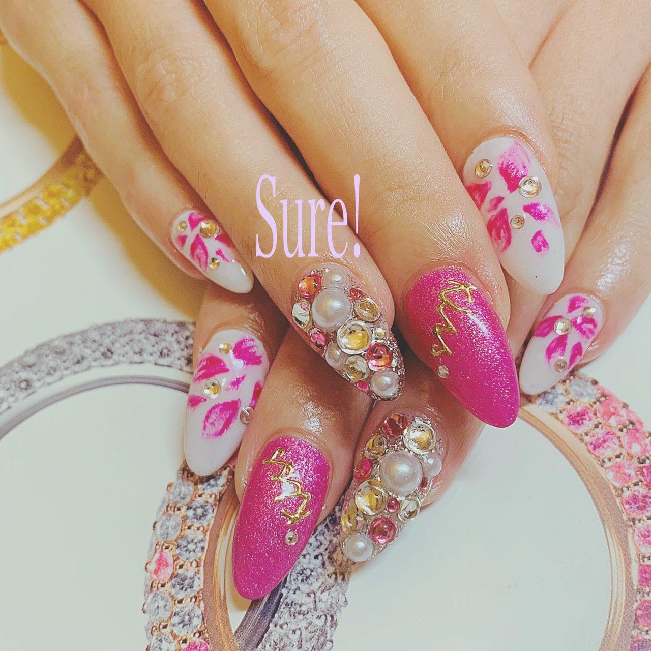 pink rose #オールシーズン #旅行 #ブライダル #ハンド #フラワー #デコ #ミディアム #ホワイト #ピンク #スカルプチュア #お客様 #Sure! #ネイルブック