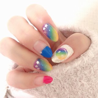 MITSUE-nailさんのデザインを真似してみました。 #春 #夏 #海 #リゾート #ハンド #変形フレンチ #ラメ #グラデーション #キャラクター #星 #ミディアム #レッド #ブルー #ビビッド #ジェル #pink_cat #ネイルブック