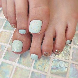 ・ 𓈒 𓈒 ♡ * フットのサンプルを少しアレンジ𓂃 ♡もキラキラのところも実物がとてもとても可愛いんですが、写真じゃ伝わらないのが辛い(´°̥̥̥̥̥̥̥̥ω°̥̥̥̥̥̥̥̥`) * footのネイルもご来店ありがとうございました₍˄·͈༝·͈˄₎◞︎̑̑ෆ⃛ 𓈒 𓈒 ・ #nail #nails #footnail #ネイル #フットネイル #ワンカラー #ワンカラーネイルデザイン #ハート #ハートネイル #ワイヤーアート #パステル #パステルカラーネイル #キラキラネイル #ガーリーネイル #カジュアルネイル #大人可愛い #華奢アクセサリー #大人カジュアル #おしゃれネイル #お洒落さんと繋がりたい #ネイル好きな人と繋がりたい #熊本 #熊本ネイル #熊本ネイルサロン #熊本南区ネイル #熊本カフェ #rafinonail #夏 #海 #リゾート #フット #ラメ #ワンカラー #ワイヤー #ショート #水色 #ブルー #ゴールド #ジェル #お客様 #rafino_nail #ネイルブック