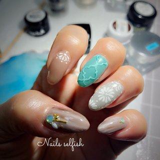 京都西京極のネイルサロンNailsselfishから夏の一押しネイルです。自分の爪を久しぶりにアートしてみました。夏のカラーは派手になりがちですが、、、やっぱり飽きないネイルデザインをと心がけてます。  #nail #nailart #nails #naildesign #gel#gelnail#art#美爪#nailsselfish #春ネイル #スワロフスキー#シンプルネイル#ネイルアート#大人ネイル #上品ネイル#一層残し #フィルイン#ヌーディーネイル #キラキラネイル #デザインネイル#京都#西京極ネイルサロン#ネイルズセルフィッシュ#エアーブラシ #おしゃれネイル #きれい#アート#集塵機導入サロン #夏 #ハンド #ボヘミアン #ミディアム #ピンク #ジェル #ネイルモデル #nails_selfish #ネイルブック