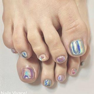お持込みのデザインです 2色のユニコーンネイル #ユニコーンネイル #シェルストーン #夏ネイル #フット #夏 #梅雨 #海 #リゾート #フット #ワンカラー #シェル #ユニコーン #ターコイズ #パープル #ジェル #お客様 #Nails Vivace! #ネイルブック