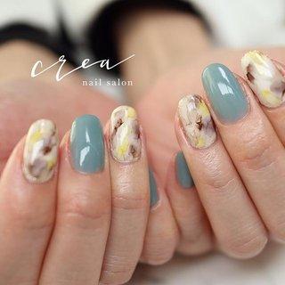 #ブリーディングインク のデザイン😊💕 なんとも言えない模様になります! その時々のデザインをお楽しみください♡ . . *.:・.。**.:・.。**.:・.。**.:・.。**.:・.。**.:・.。**.:・.。**.:・.。* . 地爪の健康を第一に考え とことんお客様の爪と向き合います! . フォルムの美しさに とことんこだわった 丁寧な施術をお約束致します♡ . .  nail salon & school crea (ネイルサロンアンドスクールクレア) JNA本部認定講師 小川智恵 . ◾︎定休日 日曜日 ◾︎予約時間①9:00~②12:00~③15:00~④18:00~ . 空き状況はTOPに記載されているURL又はブログより確認ください。 ご予約を希望のお客様は、オーダーフォームまたはDM、LINEで連絡ください♡ LINE🆔 nailcrea . *.:・.。**.:・.。**.:・.。**.:・.。**.:・.。**.:・.。**.:・.。**.:・.。* . #ネイルサロンcrea #ネイルサロンクレア #nailsaloncrea #ネイルスクールcrea #上田市ネイルサロン #上田市ネイルスクール #本部認定講師 #JNA本部認定講師 #美フォルムネイル #爪のフォルム調整 #浮かないネイル #もちのいいネイル #高技術ネイル #ココイストマスターエデュケーター #小川智恵 #ココイスト #KOKOIST #kokoist #ココイスト導入サロン #ココイスト導入サロン長野 #美フォルムベース #フィルイン #ベースを一層残してオフ #プラチナボンドデュオ #ビルダージェル #オフィスネイル #大人可愛いネイル #シンプルネイル #スマートレーサ導入サロン #夏 #お正月 #梅雨 #海 #ハンド #シンプル #ワンカラー #マーブル #ホワイト #ターコイズ #ジェル #お客様 #crea小川智恵 #ネイルブック