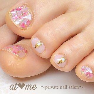 ピンクのシェルネイル♡カラーはハンドサンプルで使用した優しいピンク♡  ご来店ありがとうございました(^^) #春 #夏 #海 #リゾート #フット #ラメ #ワンカラー #シェル #ショート #ピンク #パープル #ジェル #お客様 #at me #ネイルブック