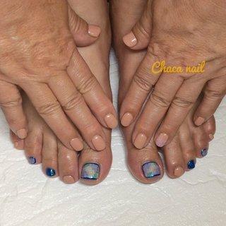 丁寧・安心がモットーのChaca nail(チャカネイル)です😀 お客様ネイル💅 ハンドとフットに季節限定の紫陽花を入れました💐 ハンドはあまり目立たないように暖色系とシアーホワイトで仕上げてます✨ フットはパッと見てもブルーが際立って可愛く、よく見ても水彩画風の紫陽花が可愛いですよ❤️ N様、いつもありがとうございます(๑˃̵ᴗ˂̵) Chaca nail (チャカネイル) 美容室の中にあるネイルサロン💅 ※hair salon HEARTY'S(@heartys0201 )の店内 *住所*宮崎県宮崎市大橋2丁目217番地 *OPEN*10:00 *CLOSE*17:00 (最終受付は16:00です) 定休日:日曜日・祝日 キッズスペースあり🎵 ★ご予約はネット予約orLINEからお願い致します😌 LINE ID:chacanail ネット予約の方→トップページからネイルブックのURLにとべますよ~✨ #Chacanail #chacanail #chaca_nail #チャカネイル #宮崎ネイルサロン #宮崎市ネイルサロン #宮崎 #miyazaki #ネイルサロン #宮崎ネイル #宮崎サロン #ヘアーサロン #美容室 #HEARTYS #ハーティーズ #プライベートサロン #マンツーマン #キッズルーム #ハンドケア #紫陽花ネイル #梅雨ネイル #あじさいネイル #水彩画風ネイル #たらし込みネイル #大人ネイル #出張ネイル #出張ネイルサロン #出張ネイルサロン宮崎 #ネイルブック #nailbook #夏 #梅雨 #浴衣 #女子会 #フット #ラメ #フラワー #たらしこみ #ミディアム #イエロー #ブルー #パープル #ジェル #お客様 #Chaca nail チャカネイル #ネイルブック