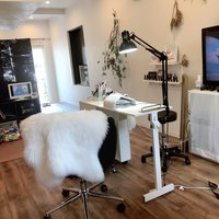 nail salon CREST
